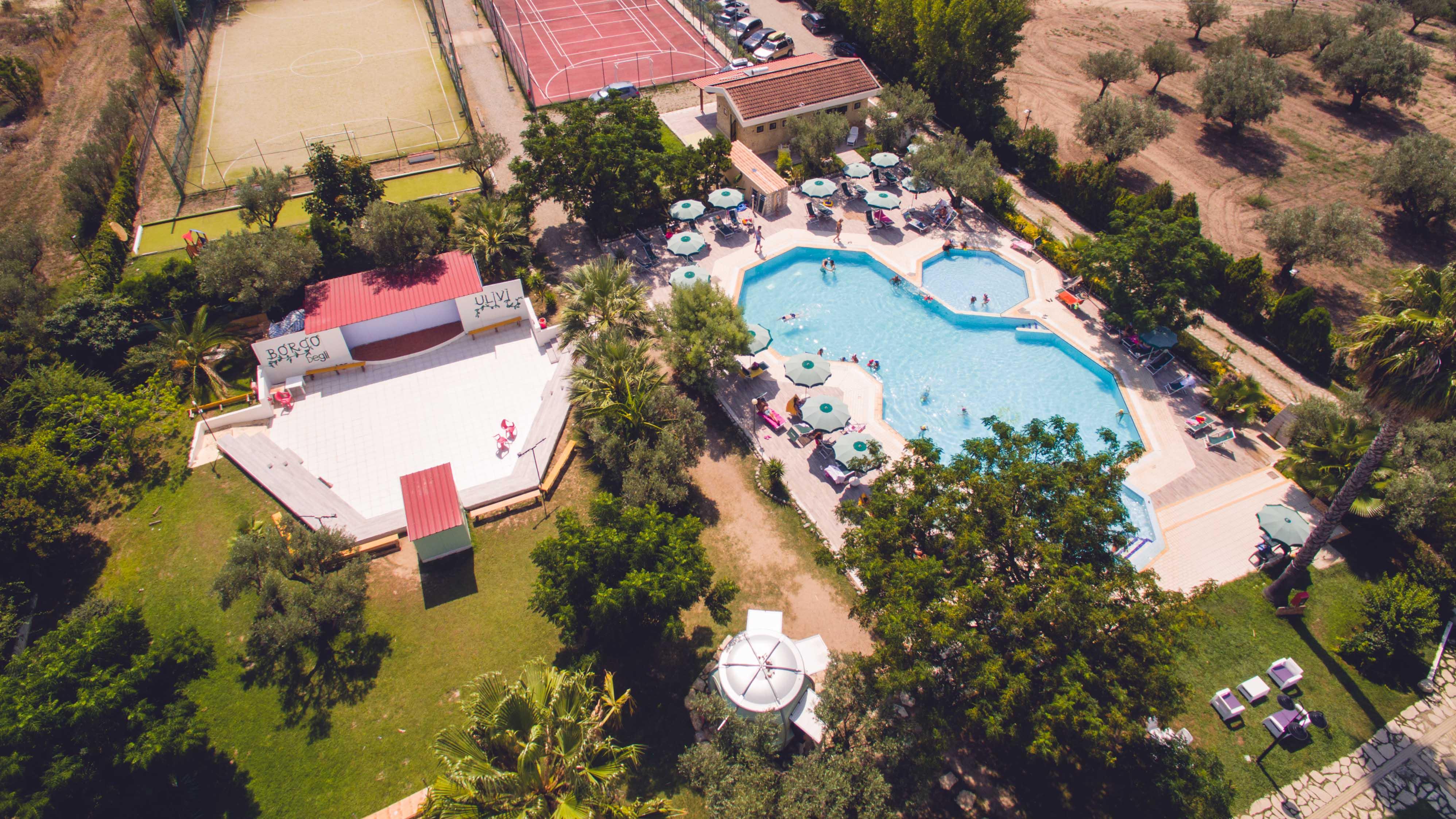 Villaggio Borgo - bazén- pohled