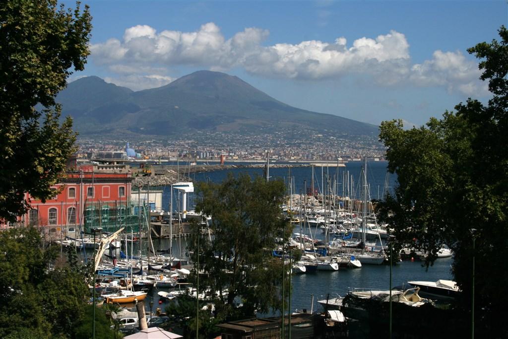 Neapol a Vesuv