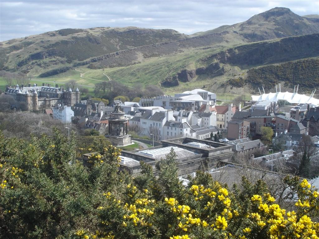Edinburgh - Holyrood House a parlament