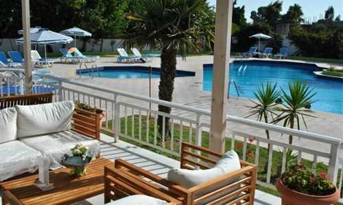 Hotel Happy Days*** - 10/11 nocí - Rhodos, Theologos - Hotel Happy Days - terasa